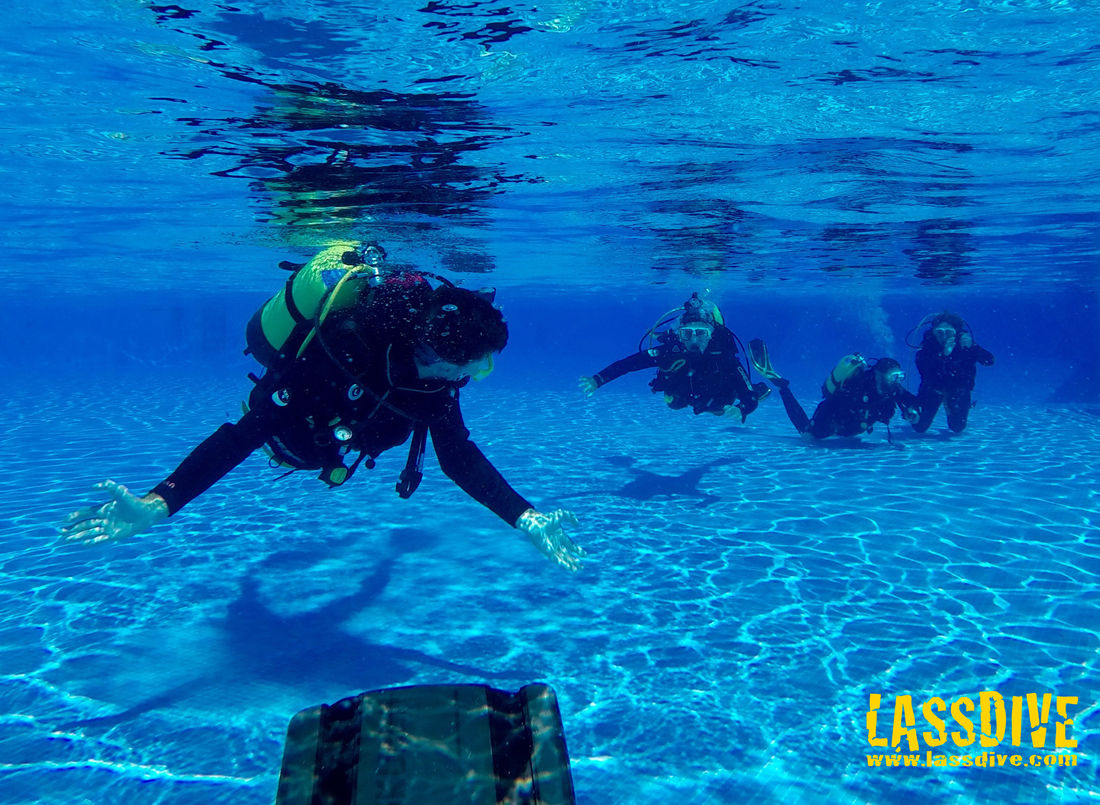 Ssi open water diver scuba diving course in costa brava with lassdive get your open water diver certification in lestartit with lassdive 1betcityfo Images