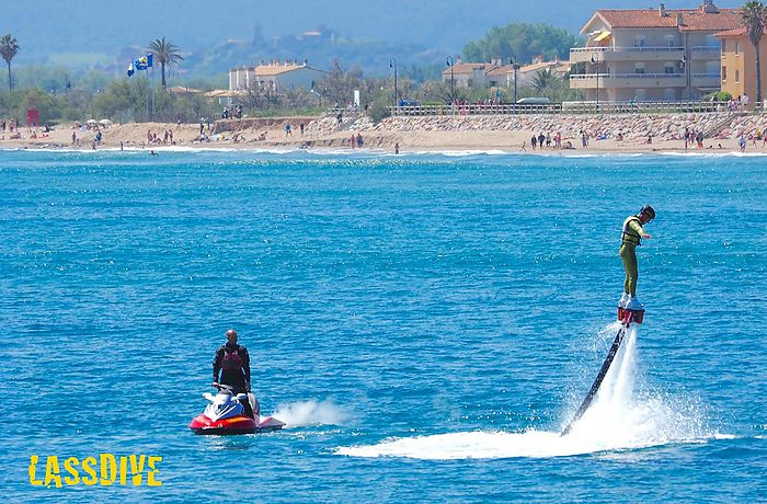 Come to l'Estartit (Catalonia, Spain) to rent your Flyboard session with Lassdive!