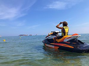Rent jet skis without a license